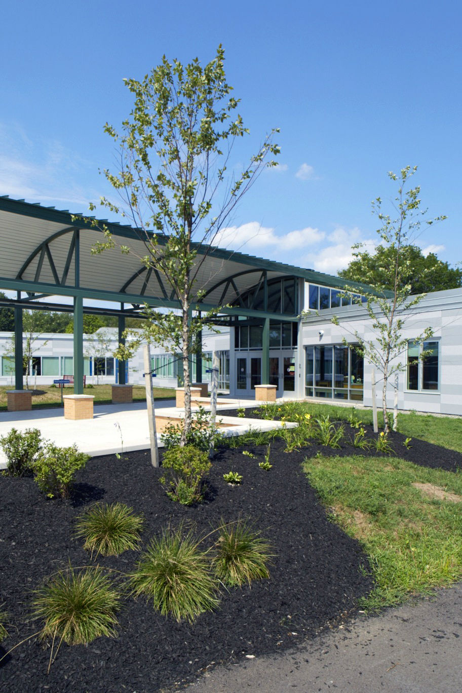 Cicero North Syracuse CSD - Smith Rd ES - Entry Landscaping